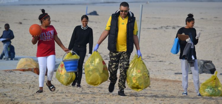 Two Oceans Aquarium calls for participation in International Coastal Cleanup Day on Saturday 18 September 2021